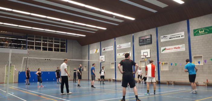 """""""Zonder tas, met pinpas"""" wint open Larens Herfsttoernooi"""